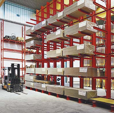 Cantilever racking for particleboards