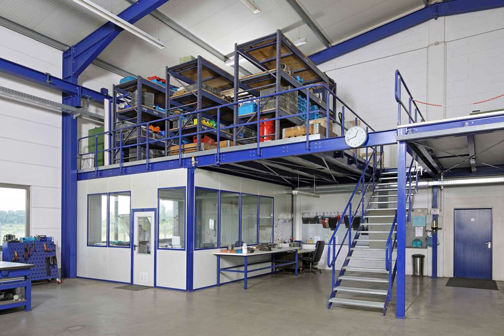 storage mezzanine with racking and foreman s office fischer lagertechnik. Black Bedroom Furniture Sets. Home Design Ideas